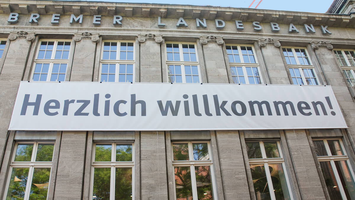 Anka Werbung - Messebau Bremen - Werbetechnik Banner - Plane Fassade