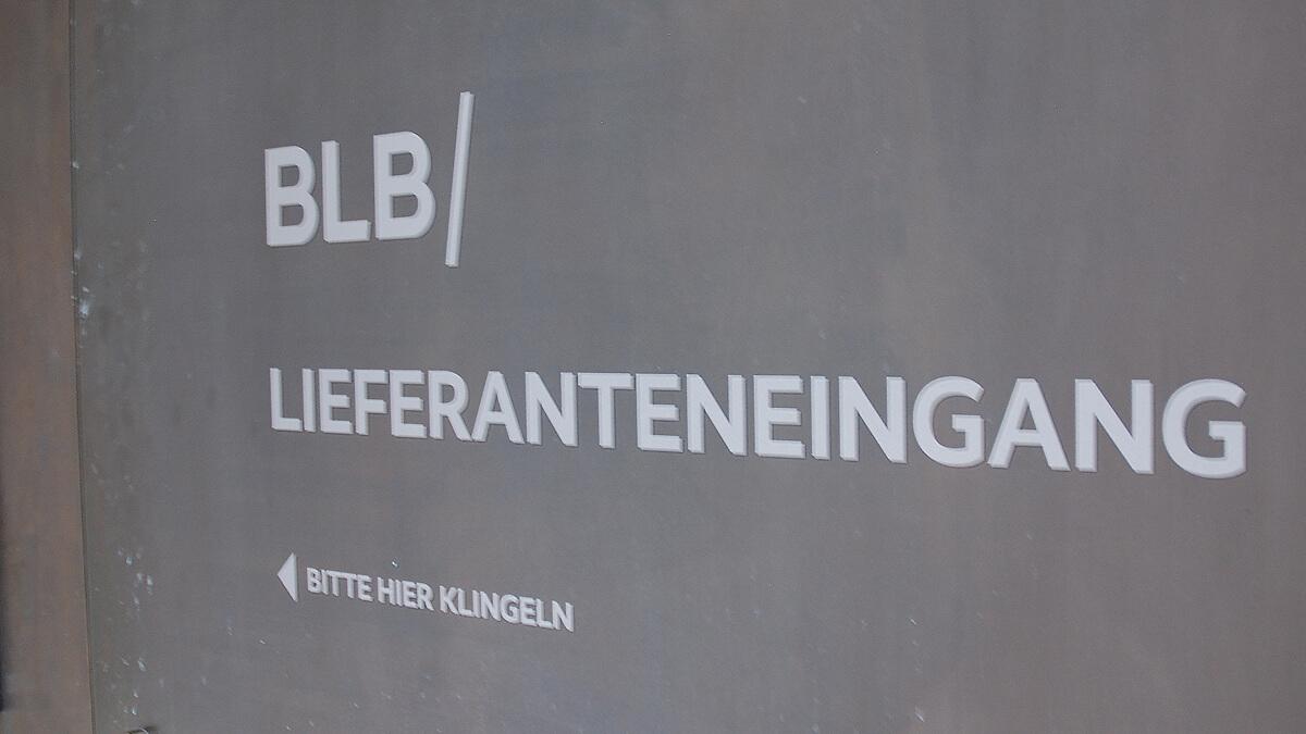 Anka Werbung - Messebau Bremen - Werbetechnik Beklebungen - Hinweisbeklebung