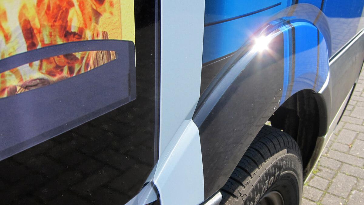 Anka Werbung - Messebau Bremen - Werbetechnik Fahrzeugbeschriftung - Transporter Komplett