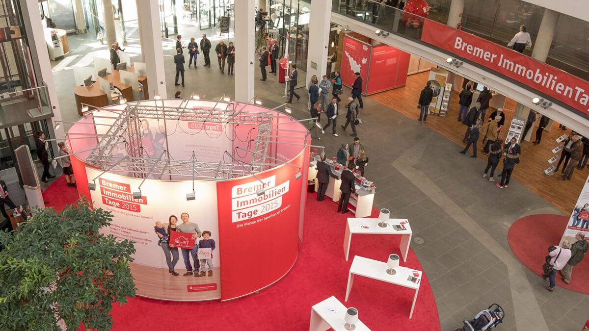 Anka Werbung - Messebau Bremen - Ausstellungen - Oval Traverse (Sparkasse Bremer Immobilientage 2015)
