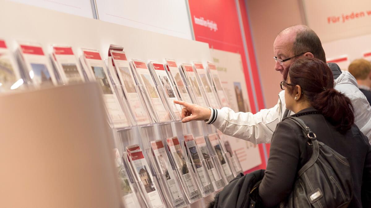 Anka Werbung - Messebau Bremen - Ausstellungen - Prospekthalter (Sparkasse Bremer Immobilientage 2015)