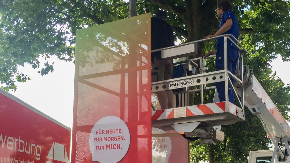 Anka Werbung - Messebau Bremen - Ausstellungen - Montage Textilbespannung (swb Breminale)