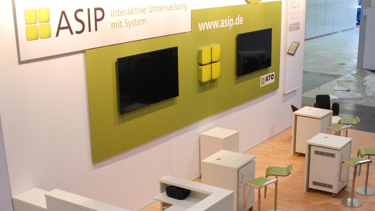 Anka Werbung - Messebau Bremen - Messebau - Displaywand (ATO A+A)