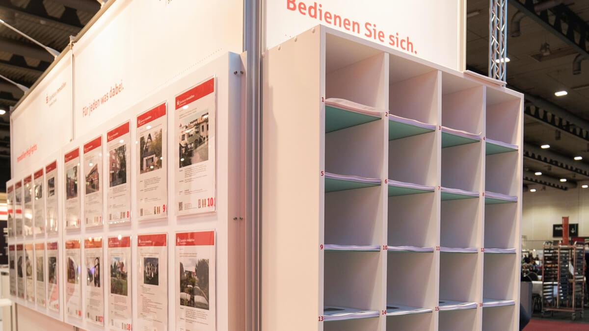 Anka Werbung - Messebau Bremen - Prospekthalter (Sparkasse Bremer Immobilientage 2017)