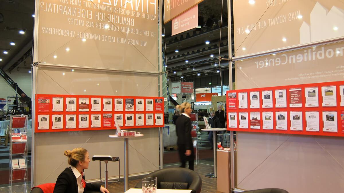 Anka Werbung - Messebau Bremen - Messebau - Prospekt Displaywand (Sparkasse HanseBau)