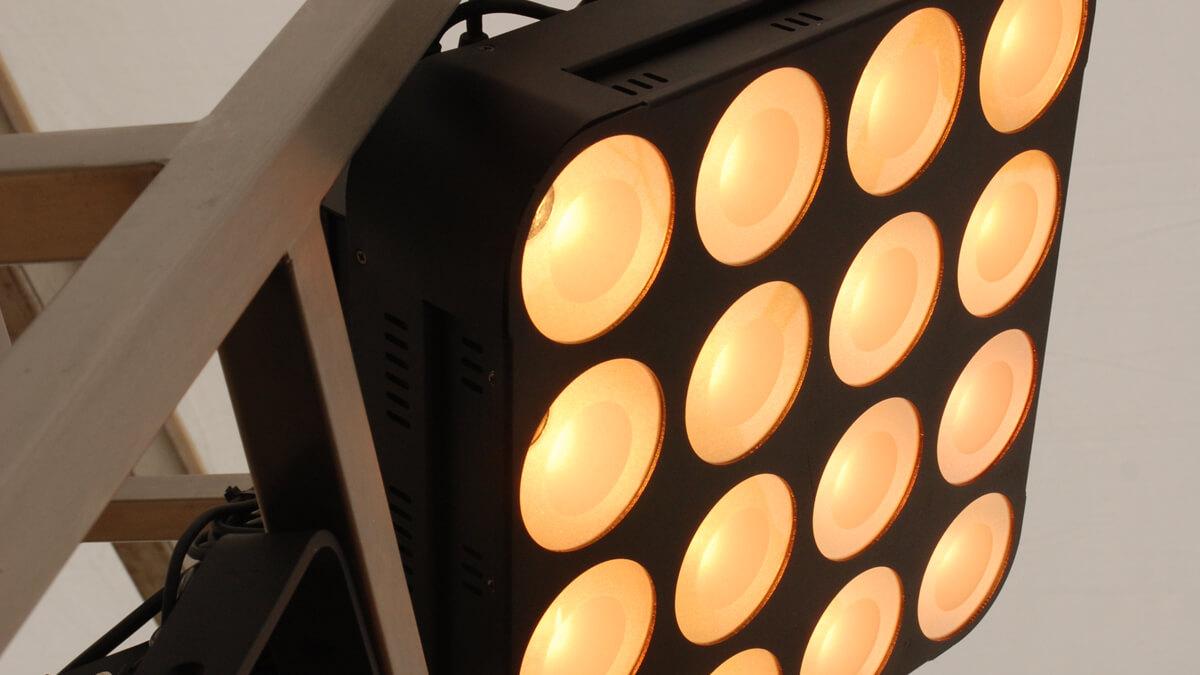 Anka Werbung - Messebau Bremen - Werbetechnik LED-Lichtanlagen - LED-Strahler Trio